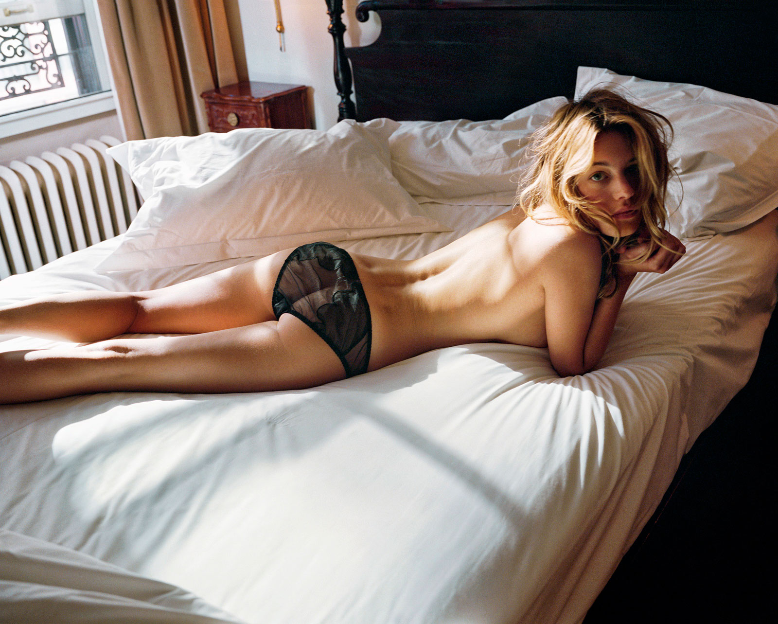 Camille Rowe naakt